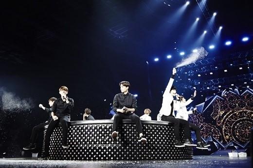 EXO、大阪のイブを彩る銀色の波…ファンの思いにメンバー感動「これからもずっと一緒に行こう」ワールドツアー終了