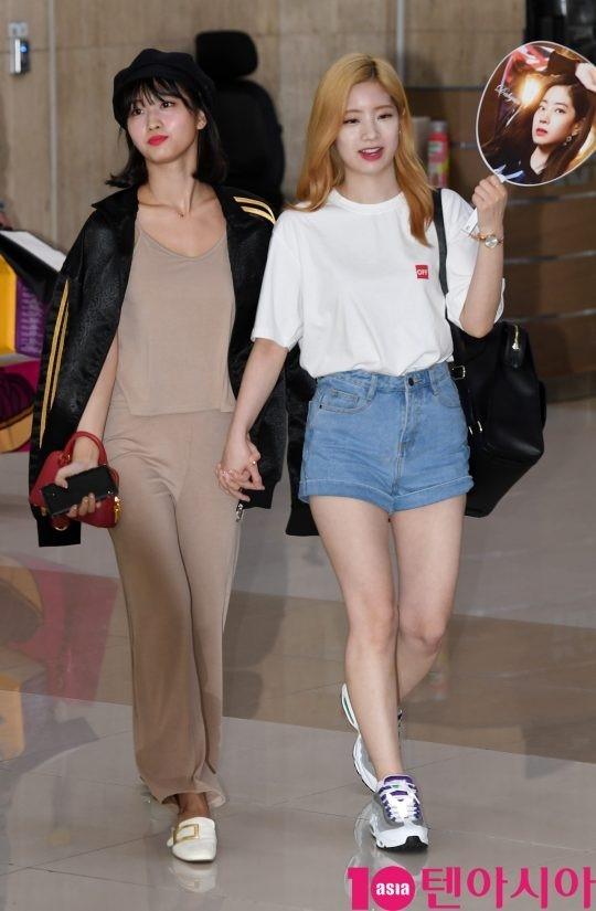 bts 空港ファッション 夏