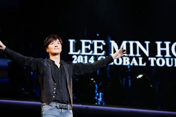 【REPORT】イ・ミンホ、台風も吹き飛ばす熱気溢れるステージ!GLOBAL TOUR in JAPAN「RE:MINHO」大盛況