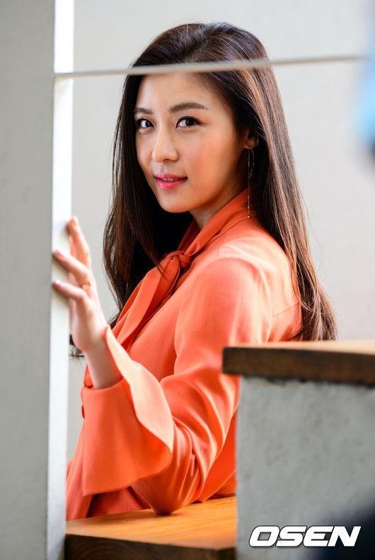 ハ・ジウォン「好きな男性のタイプ?ルックスを重要視する」率直な答え