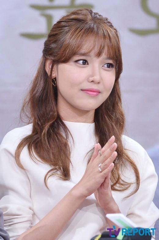 少女時代 スヨン「SBSテレビ芸能」MCを降板…後任はチャン・イェウォンアナウンサー