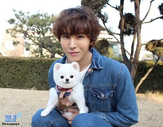 ノ・ミヌ、愛犬とのツーショットで近況公開…愛嬌たっぷりな1人+1匹