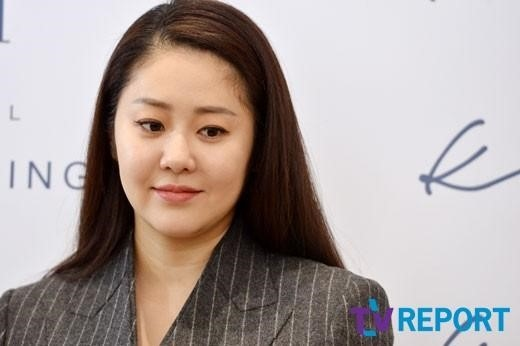 コ・ヒョンジョン、ノ・ヒギョン脚本家の新作ドラマに出演「私のやるべきことは美しくなること」