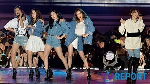 4Minute側、公演での転落事故についてコメント「ステージを終えてソウルに戻る時に知らせを聞いた…残念だ」