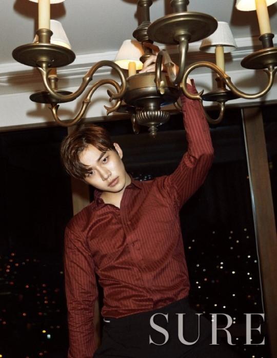 """2PM ジュノ、ソウルの明かりを背景にセクシーな魅力をアピール""""あの男の夜"""""""