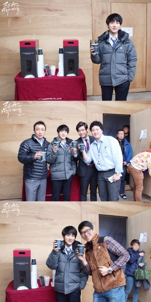 """ZE:A シワン「ミセン」出演者&スタッフにコーヒーをプレゼント""""心温かいチャン・グレ"""""""