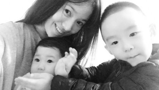 ソン・ヘギョ、親友の子供たちとの微笑ましい写真を公開\u2026すっぴんでも\u201c人並み外れた美貌\u201d , ENTERTAINMENT ,  韓流・韓国芸能ニュースはKstyle