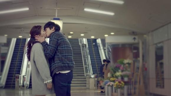 CNBLUE ジョン・ヨンファ「MVのキスは断れなかった…ファンが応援してくれた」