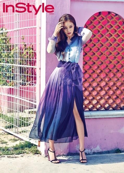 キム・テヒ、メキシコの日差しの下で輝くルックス…華やかなドレス姿のグラビア公開