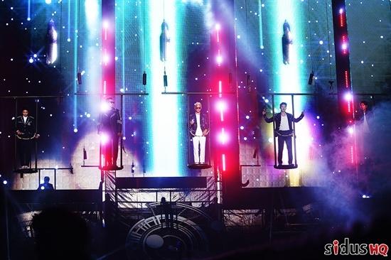 god、4万人のファンが埋め尽くしたアンコール公演…12年ぶりの再結成で涙の告白