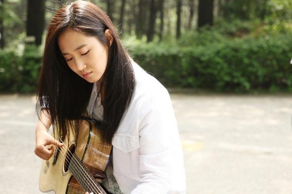 少女時代 ユリ初のソロバラード曲「BLING STAR」日本版オリジナルPV&メイキング映像解禁!
