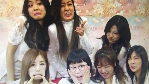 """Apink、妖精アイドルはどこへ?メンバー揃って""""変顔""""披露"""