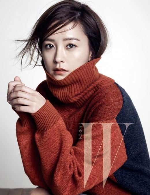"""チョン・ユミ、真冬のファッションの着こなしを紹介""""カメレオンのような魅力"""""""