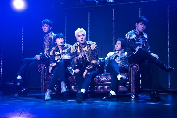 【REPORT】日本でデビュー1周年を祝ったWINNER!初のホールツアーは、YGファミリーコンサート?
