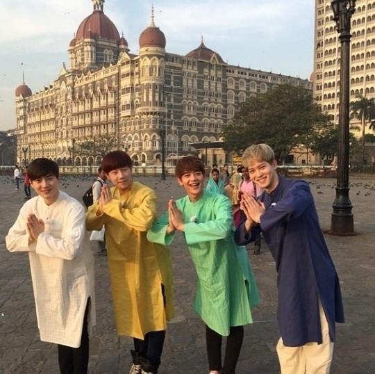 CNBLUE イ・ジョンヒョン、INFINITE ソンギュ、SHINee ミンホ、EXO スホ、インドでの写真公開「キュヒョン兄さんが撮影」