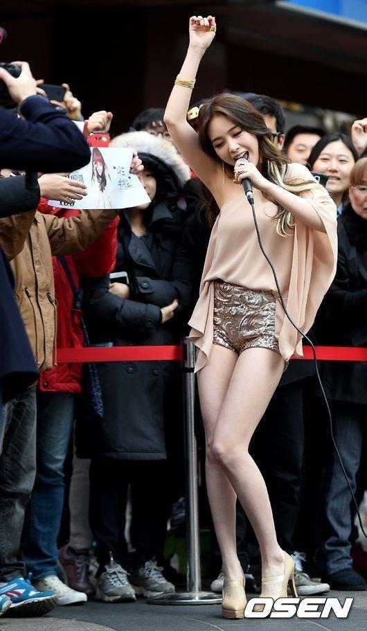 K-POPアイドルのエロい振り付け・ダンス動画  3 [転載禁止]©bbspink.comYouTube動画>447本 ->画像>211枚