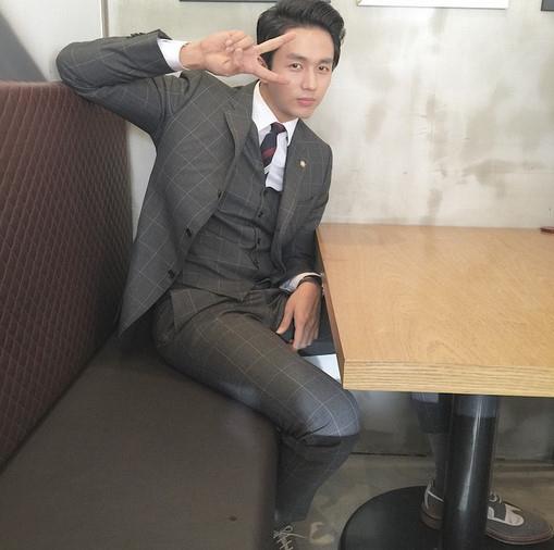 2AM スロン、JYPとの契約満了後SNSを初更新「会いたいです」