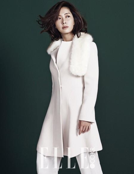 ソン・ユナ、幻想的な表情でラグジュアリーなスタイルを披露…秋冬グラビア公開