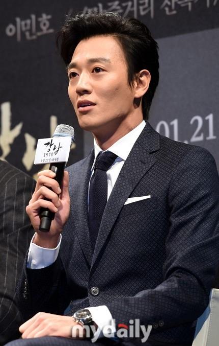 """「江南1970」キム・レウォン""""役作りのために1ヶ月で15kg減量した"""""""