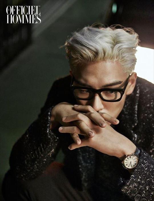 BIGBANGのT.O.P、銀髪&メガネもセクシー…吸い込まれそうな眼差しのグラビア公開