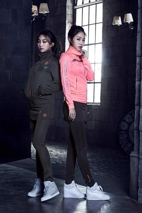 """SISTAR ソユ&ヒョリン、健康的なスポーツグラビア公開!トラックスーツの着こなしに""""注目"""""""