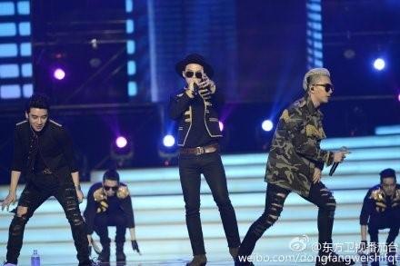 BIGBANG、熱いパフォーマンスでヒット曲熱唱!隠せない存在感を放つ中国の旧正月特番ステージ写真を公開