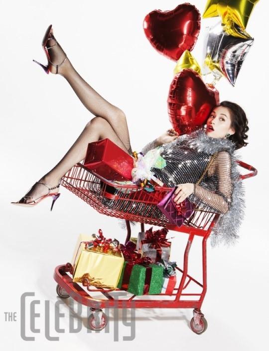 水原希子、韓国誌でグラビアを披露!「クリスマスの計画は…」