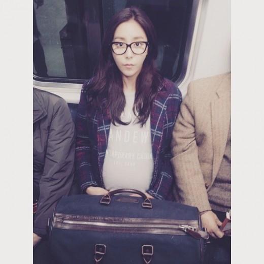 AFTERSCHOOL ユイ、マタニティ写真公開!?「私のお腹の中にいた赤ちゃんがついに…」