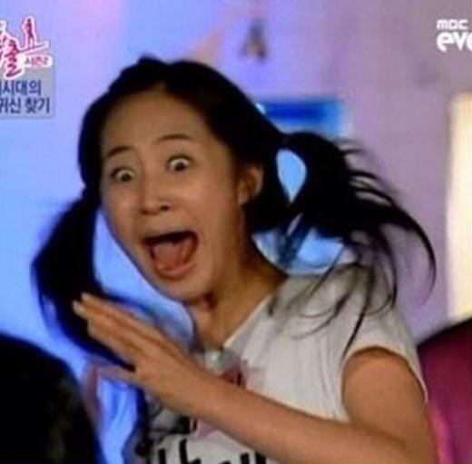少女時代 ヒョヨン、ユリの屈辱写真を公開「誕生日おめでとう、愛してる~」