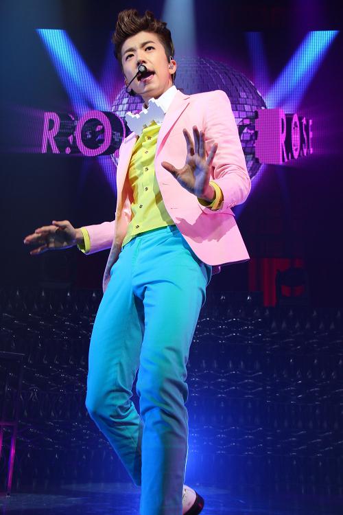 2PM ウヨン、初の日本ショーケースツアーが大阪で完結!「今この瞬間が特別」ウヨンの言葉に涙するファンも