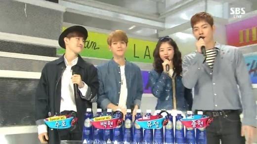 EXO ベクヒョン&スホ「人気歌謡」の一日MCとして活躍…新曲の替え歌で挨拶