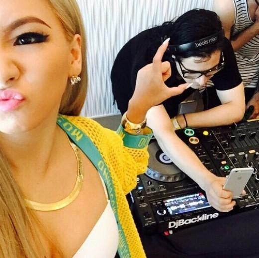 2NE1のCL、スクリレックスとコミカルなツーショット…溌剌とした音楽作業現場を公開