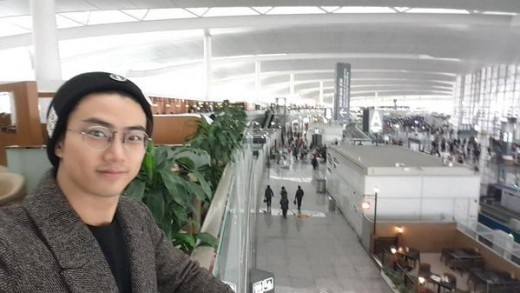 2PM テギョン、ニット帽&メガネのセルフショット「バイバイ、南京~」