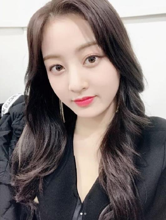 TWICE ジヒョ「『紅白歌合戦』で会いましょう」\u2026人形のようなセルフショットを公開 , ENTERTAINMENT ,  韓流・韓国芸能ニュースはKstyle