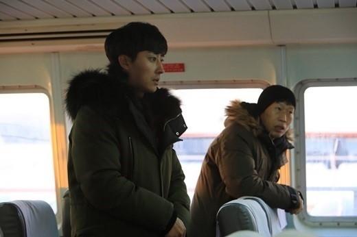 ソン・ホジュン「三食ごはん」漁村編に正式メンバーとして合流!撮影の様子をキャッチ