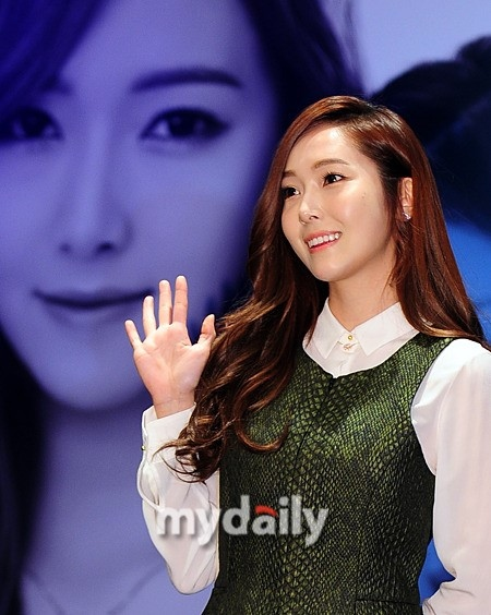 少女時代を離れたジェシカ、韓国で初の公式イベント出席が決定…本格的な活動再開なるか?
