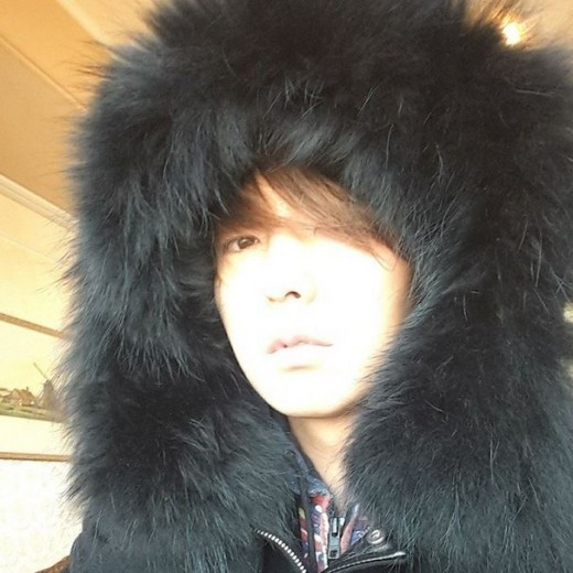 イ・ジュンギ、ファーに覆われた独特なファッションを披露「本当寒いね」