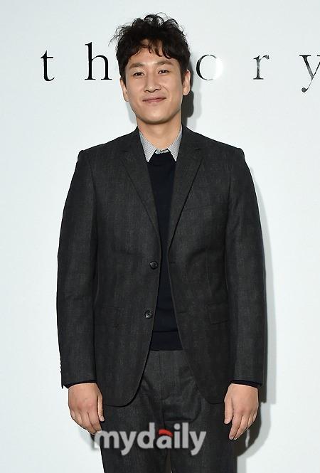イ・ソンギュン、映画「愛はウイルス」に出演確定…スクリーンで大活躍