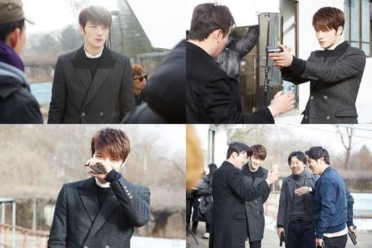 JYJ ジェジュン「スパイ」撮影現場を公開…俳優たちと息ぴったりの相性