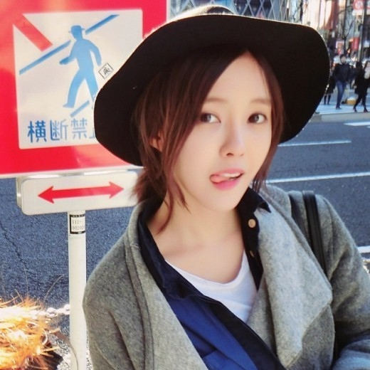 """T-ARA ヒョミン、日本で撮ったセルフショットを公開""""キュートな愛嬌"""""""