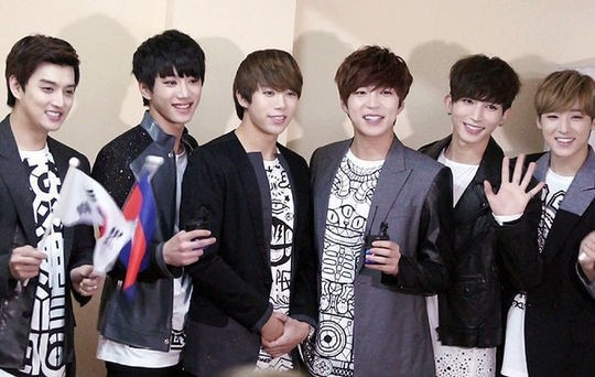 U-KISS&LABOUM、韓国代表としてカンボジアを盛り上げた…2万人が熱狂