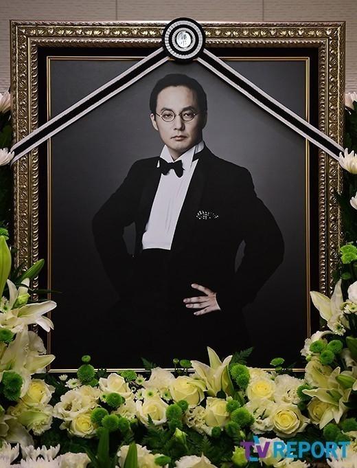 Mnet、亡くなったシン・ヘチョルさんの特別番組「グッバイ、ミスター魔王」を放送