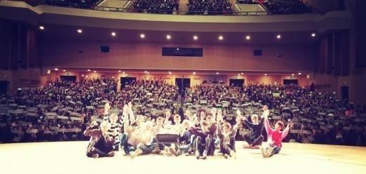 SEVENTEEN、ファンミーティングに2000人が集結!メンバーがソロステージを披露