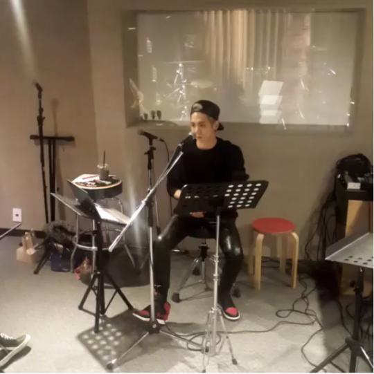 SHINee ジョンヒョン、ソロコンサートを控えて練習現場を公開「どこで会おうか?」(動画あり)