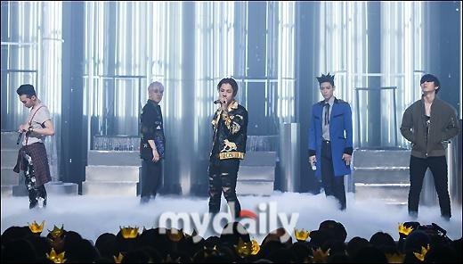 YG、BIGBANGとの再契約についてコメント「公式立場はまだ明かせない」