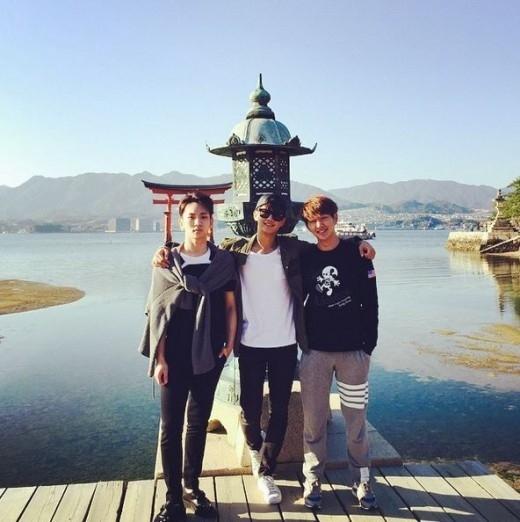 "SHINee キー&ミンホ&オンユ、日本でのリラックスした姿を公開""仲睦まじいスリーショット"""