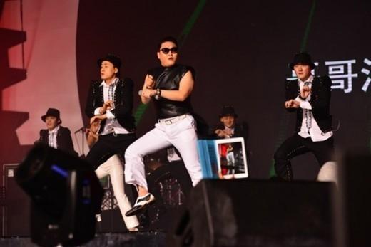PSY&WINNER、中国「QQ MUSIC AWARDS」でグローバルアーティスト&新人賞受賞