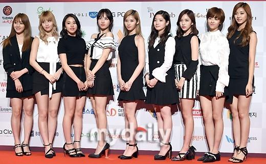 【PHOTO】TWICE「第14回 今年のブランド大賞」に出席\u201c人形のような美貌\u201d , ENTERTAINMENT ,  韓流・韓国芸能ニュースはKstyle