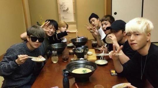 iKON、大阪ファンミーティングのメイキング映像を公開…「Happy Birthday B.I」