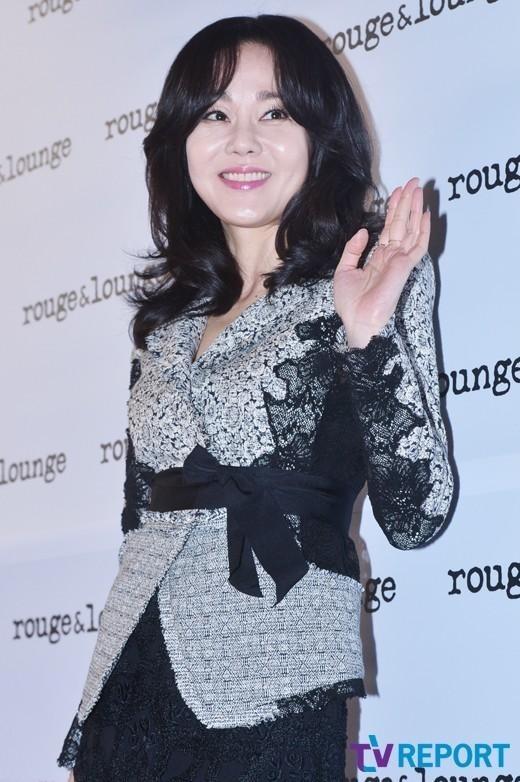 キム・ユンジン、人気米ドラマ「溺れる女たち ~ミストレス~」シーズン4の主人公に